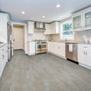 Kitchen cabinets and countertop | Shoreline Flooring